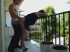 pute charente nue sur son balcon