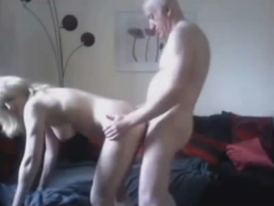 baise grand papy gay