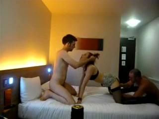 triolisme-hotel-milf-double-penetration