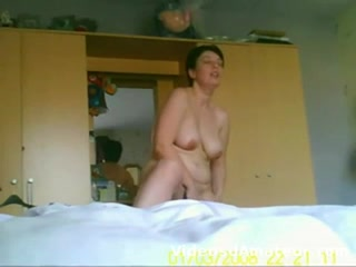 mature-masturbation-camera-cachee