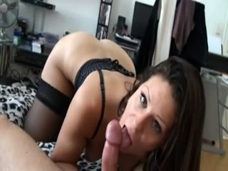 baise-brune-pov-pipe-ejaculation-faciale